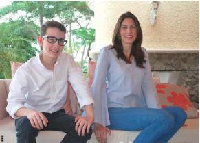 El más joven de los socios, Dennis Gallo, junto a Cristiana Lacayo, socia y gerente de la empresa.