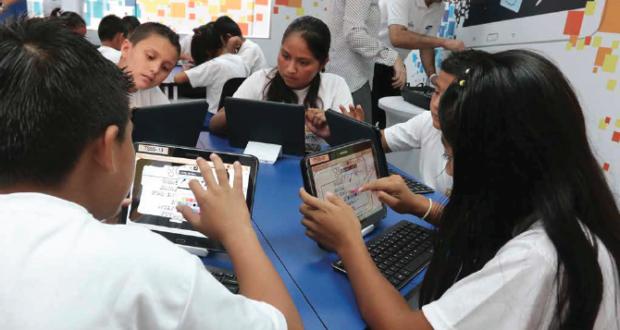El programa Smart School está en 39 aulas de 13 países.