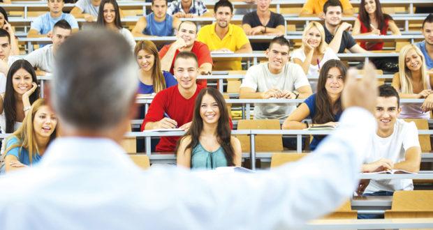 Las universidades desempeñan un papel importante en el crecimiento de la economía de las naciones.